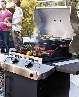 Char-Broil  Performance T-22 gas grill  / bbq